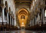 Entrada para el complejo de la catedral de Monreale. Palermo, ITALIA