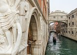 St. Mark's Basilica and Doge's Palace Tour in Venice. Venecia, ITALY