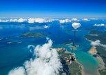Salto duplo de paraquedas em Airlie Beach. Airlie Beach, Austrália