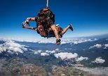 Salto duplo de paraquedas na Grande Barreira de Coral e na floresta tropical de Cairns. Cairns y el Norte Tropical, Austrália