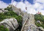 Sintra: el Castillo de los Moros, con entrada preferente. Cascais, PORTUGAL