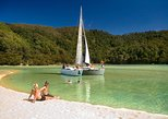 Full-Day Sailing Adventure in the Abel Tasman National Park. Nelson, New Zealand