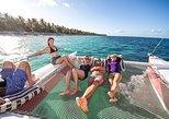 Tour en catamarán para grupos pequeños de vela y snorkel en Punta Cana,