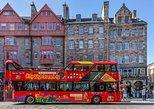 Excursão turística pela cidade de Edimburgo em ônibus panorâmico. Edimburgo, Escócia