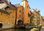 Excursão de meio dia à Annecy Village saindo de Genebra com o Palais de l'Isle. Ginebra, Suíça