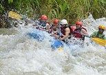 Descenso de rápidos de clase III-IV en el río Naranjo desde Manuel Antonio. Quepos, COSTA RICA