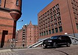Private Small-Group Hamburg City Tour with a Luxury Vehicle, Hamburgo, ALEMANIA