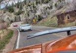 Test-drive de supercarros nos 24 quilômetros de estrada do cânion, perto de Golden, Colorado. Denver, CO, ESTADOS UNIDOS