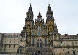 Santiago de Compostela y Viana do Castelo desde Oporto. Santiago de Compostela, ESPAÑA