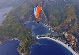 Experiencia en parapente en tándem desde Fethiye a la Laguna Azul de Ölüdeniz. Fethiye, TURQUIA