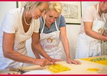 Bologna Market Visit and Private Cesarine Home Cooking Class. Bolonia, ITALY