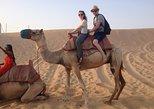 Safari no Deserto de Abu Dhabi com 4x4, passeio de camelo e jantar. Abu Dabi, EMIRADOS ÁRABES UNIDOS