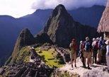 Visita guiada de Agua Calientes a Machu Picchu.,