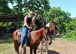 Equitación en Roatán además de monos y perezosos y esnórquel en barco. Roatan, HONDURAS