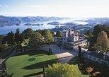 Dunedin, Otago Peninsula, Larnach Castle from Port Chalmers. Dunedin y la peninsula de Otago, New Zealand