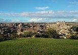 Paseo a pie en Toledo en un lugar Patrimonio de la Humanidad, Toledo, ESPAÑA