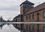 Auschwitz and Birkenau Guided Tour with Hotel Pick Up from Krakow. Cracovia, Poland