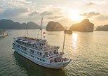 2 dias na Baía de Halong: cabine privada, pesca de lula, caiaque, cavernas. Halong Bay, VIETNAME