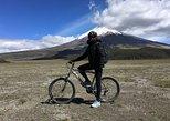 Caminhada e passeio de bicicleta de dia inteiro no Parque Nacional de Cotopaxi saindo de Quito,