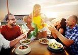 Cruzeiro com jantar ao pôr do sol de Santorini incluindo visita ao Vulcão Nea Kameni. Santorini, Grécia