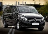 Munich Airport Private Transfer to Munich City in Luxury Van, Munique, Alemanha