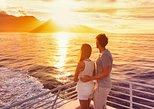 Cruzeiro de Santorini com fontes termais e opção para o pôr do sol de Oia. Santorini, Grécia