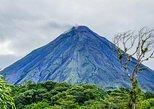Excursão ao vulcão de Arenal com ponte suspensa e cachoeira saindo de La Fortuna. La Fortuna, Costa Rica