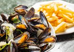 Brussels Food and Beer Walking Tour with Mussels and Chocolate,