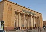 Traslado privado de partida da Estação Ferroviária Luxor. Luxor, Egito