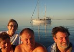 Great Barrier Reef Luxury Expedition Cruise cabin booking 7 days 6 night, The Whitsundays y Hamilton Island, AUSTRALIA