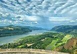 Multnomah Falls, Columbia River Gorge Falls Tour from Portland. Portland, OR, UNITED STATES
