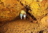 Aventura de espeleología de 4 horas en Terceira. Terceira, PORTUGAL