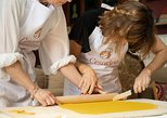 Private cooking class at a local's home with lunch or dinner in Bologna, Bolonia, ITALIA
