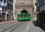 Excursión por tranvía clásico del domingo en Basilea. Basilea, SUIZA