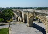 Follow in the footsteps of the Saint Clément aqueduct as far as the Pic Saint Loup., Montpellier, FRANCIA