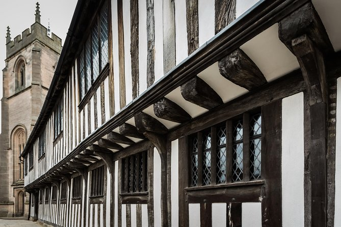 Discover where William Shakespeare was educated and inspired to become the world's greatest playwright with a visit to Shakespeare's Schoolroom and Guildhall. Immerse yourself in 16th century Stratford as you can literally take a seat in the very room that Shakespeare sat as a young pupil. Visit the Council Chamber and experience the space where he first witnessed performances by the country's greatest actors of the day. During this interactive and engaging experience, participate in a Tudor lesson, brush up on your Latin and dress up in Tudor-style for a 'selfie,' and play Tudor games. A visit to Shakespeare's Schoolroom and Guildhall is perfect for all ages and includes entrance fee, guide and Tudor lesson.<br>