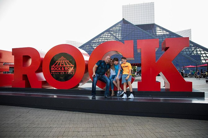 Entrada para Rock and Roll Hall of Fame en Cleveland, Cleveland, OH, ESTADOS UNIDOS