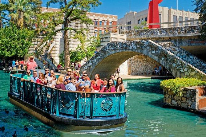 Paseo por el río San Antonio y excursión en autobús con paradas libres, San Antonio, TX, ESTADOS UNIDOS