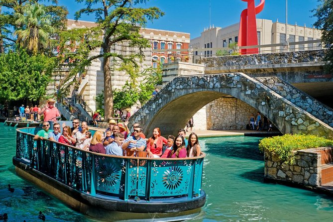 This package includes all the best sights and attractions that the city of San Antonio has to offer! <br><br>Experience an entertaining and informative Boat Cruise on the famous San Antonio River Walk and also a trip to the Tower of the Americas. <br><br>You can also choose from a 24-hour or 72-hour City Sightseeing Hop-On Hop-Off tour ticket on a double-decker bus. With the 24 hour pass, a second day is included for free.<br><br>Explore downtown with friendly staff, live guides, and recorded commentary, hopping on and off as much as you like at any of the 19 tour bus stops on the route. <br><br>This is one of our best-selling San Antonio packages.