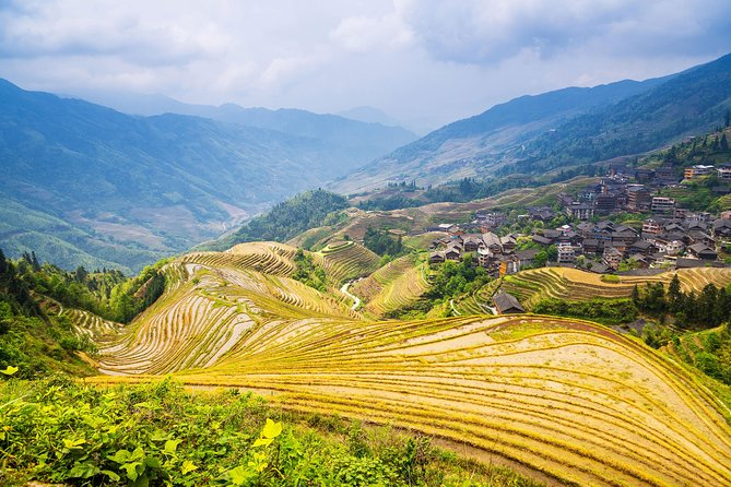 This small group tour provides you a trouble-free tour to visit the magnificent scenery of terrace fields at Longji and explore the local minority villages and their tradition and culture. You could trek around the well-know Longji Rice Terraces and enjoy the local food for lunch. Cable car is also available there to reach the view point.