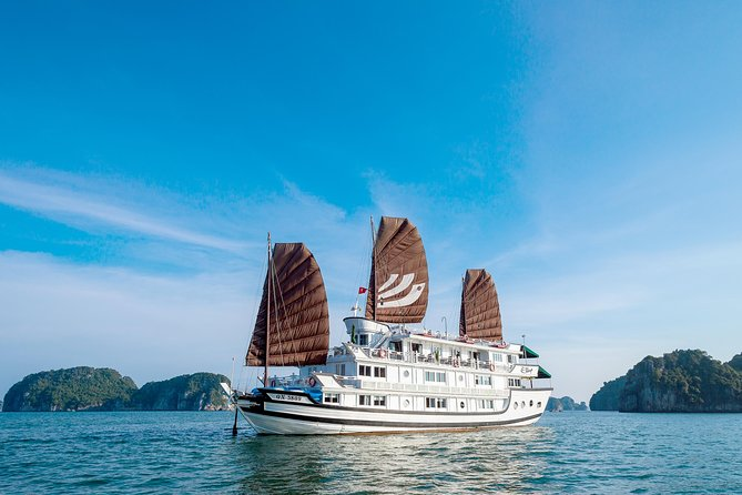 Bhaya 2-Day Halong Bay Tour with Optional Hanoi Transfer by Bus, Halong Bay, VIETNAM