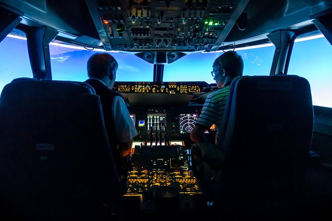 This offers you a fantastic flight simulator experience flying a real Boeing 737, 747 or Airbus A320 simulator anywhere in the world. Situated at Coventry Airport in the Midlands, you will have the flight of your life and is the ideal birthday or special event gift for anyone of any age over 12. The 90 minute experience includes 30 minutes briefing followed by 60 minutes in the simulator. Weekday price just £199.