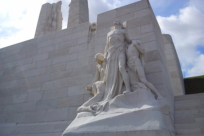 Private Canadian WW1 Vimy & Somme Battlefield Tour from Arras or Lille, Lille, FRANCIA