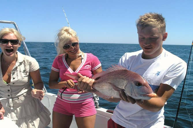 Have a fantastic experience with family or friends on this full-day fishing trip. With six hours of reef fishing, you will certainly have a great time. You will be led by an experience crew that knows just where to go for that once in a life time catch.