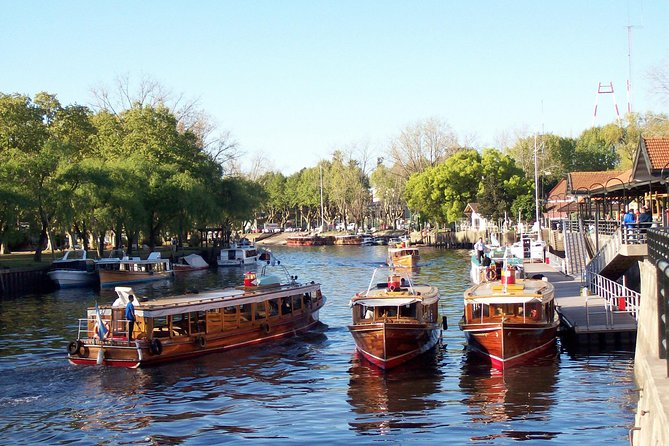 This tour is particularly recommended for those who love nature. It is very unique due to the services and characteristics that it offers. It combines the navigation of Rio de la Plata and the beautiful Tigre River Deltain a Premium boat (1.5hs). The first portion covers the North of Buenos Aires and after arriving to Tigre and having a little snack you will get to know San Isidro's Old Town before heading back to your hotel.<br><br>Languages Offered: Spanish & English