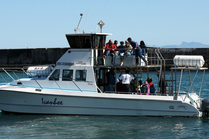 Join the team for what will undoubtedly be a memorable 2 hour Big 5 Sea Safari. The goal is to target Walker Bays Big 5, Whales, Dolphin, Seals, Penguin and Marine Birds.