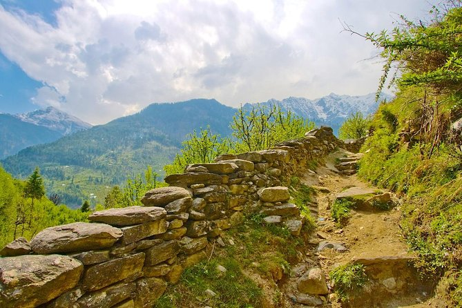 Start and end in Chandigarh! The 5 days trip will let you explore three major hill stations of Himachal Pradesh in North India, i.e Shimla, Kullu and Manali. The trip also includes 4 nights accommodation, sightseeing, tour guide, all transfers and 4 breakfast at the hotel.
