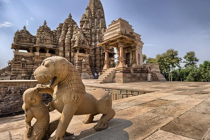 Start and end in Khajuraho! The 3 days trip will let you explore the ancient Kamasutra temples of Khajuraho, along with other Heritage sites of Khajuraho. The trip includes 2 nights stay, sightseeing, all transfers and 2 breakfasts.