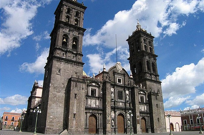 Discover why UNESCO put Puebla on its World Heritage list during a 3-hour walking tour of the city. Stroll around the historic downtown with your guide and visit the Zocalo (main square). See major landmarks such as Puebla Cathedral, Rosary Chapel, and City Hall, with time for souvenir shopping at Mercado el Parian.