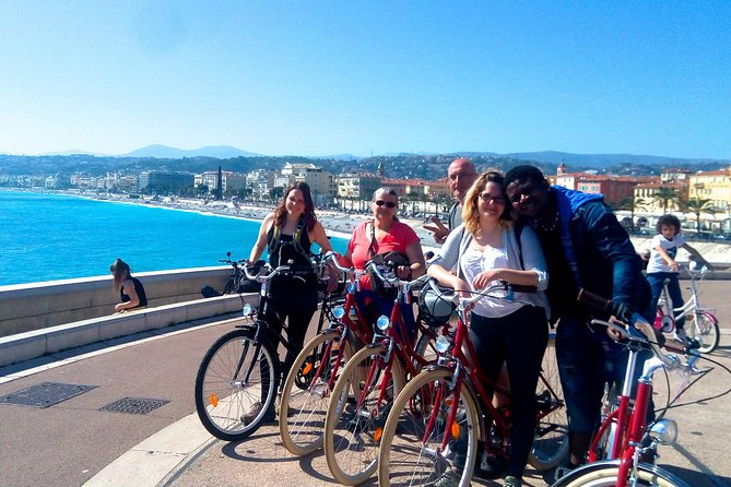 A panoramic Tour by E-bike to know in all the best about Nice in 3h : main highlights, monuments & central districts of Nice, the Old Town and Port, including amazing panoramic points over the city, the Castle Hill, gardens, waterfall and ruins, a ride through the Belle Epoque Palaces, the ruins and beautifull gardens. Thanks to a professional and local guide you will know the history, but the best tips and address to continue your journey in the French Riviera !